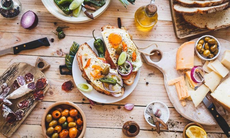 crostini con uova